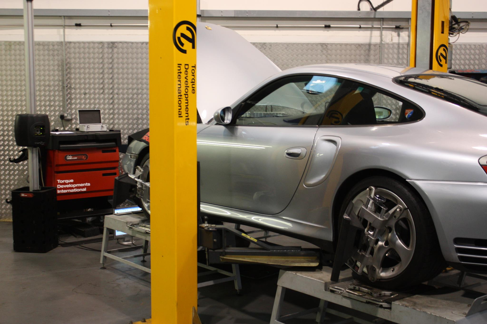 Porsche 996 Turbo Dynamic Handling Upgrade
